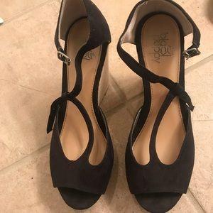 Black Poppy Peep Toe T-Strap Wedge Sandals